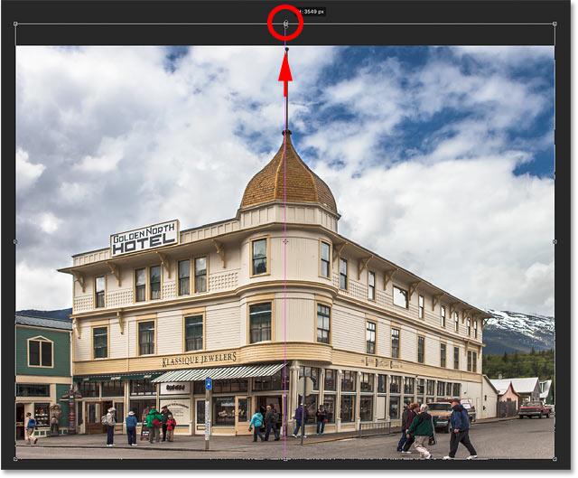 Estirar la imagen usando Transformación libre en Photoshop