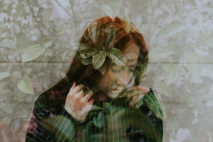Un retrato genial de doble exposición con muchas fotografías de texturas